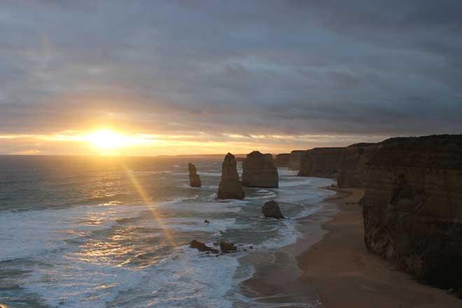 Sunset at the 12 Apostles, Great Ocean Road, Victoria, Australia.