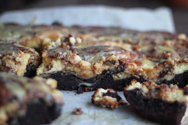 SALTED CARAMEL CHEESECAKE BROWNIE IS ALL YOU NEED TO KNOOOOOW!
