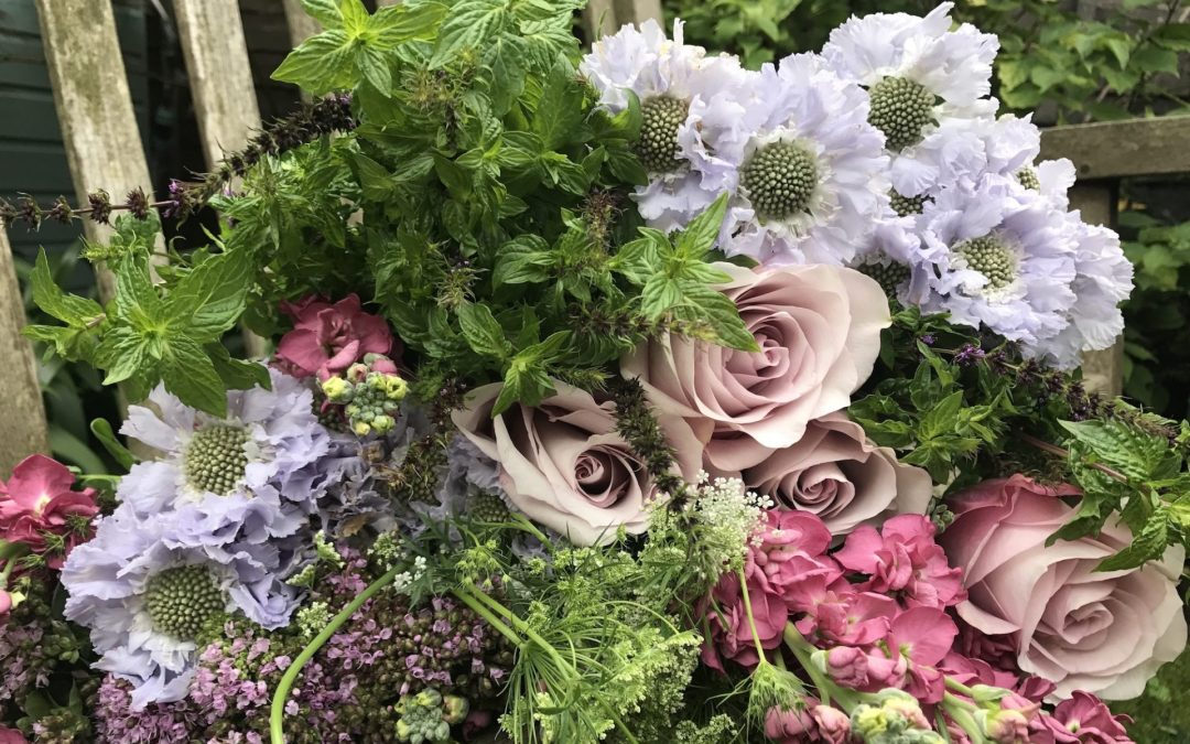 London Magic Works Appearing Flower Trick Bouquet From Thin Air