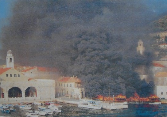 Dubrovnik being shelled in 1991