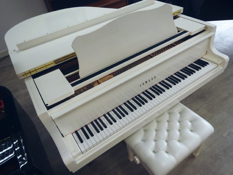 Thevenet Music piano BLANC GH1