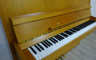 Piano droit RIPPEN Cantabile