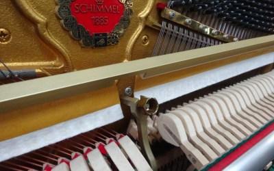 Piano droit SCHIMMEL P116S