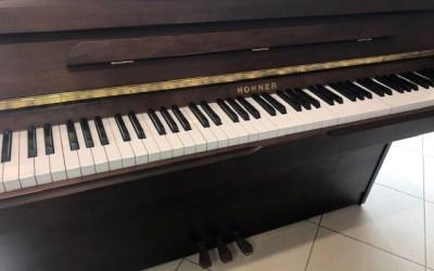 Piano droit HOHNER HP112