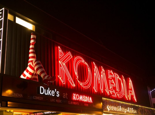 krater comedy club review
