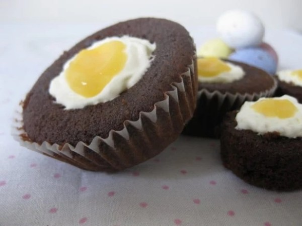 Easter Creme Egg Cupcakes