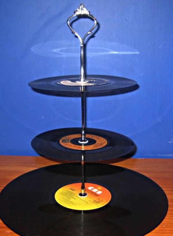 Cake stand made from vinyl record
