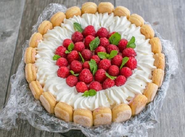 Charlotte Russe Cake