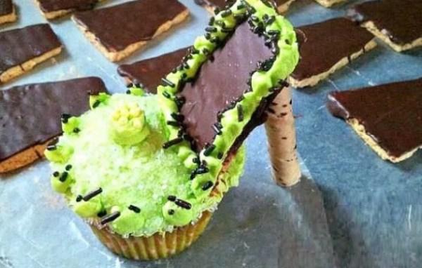 Light Green High Heels Cupcakes