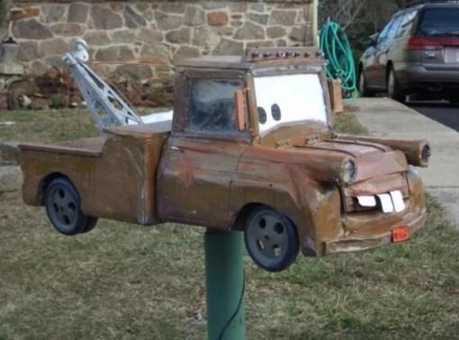 Mater mailbox