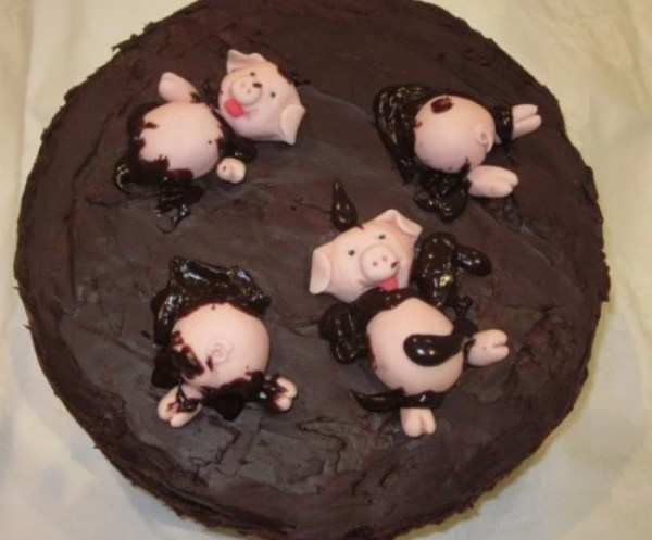 Solid Chocolate Pigs in mud Cake