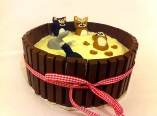 Kit Kat Style Cats in milk cake