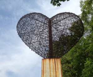 Ten Amazing Ways to Reuse, Repurpose and Recycle Barbed wire