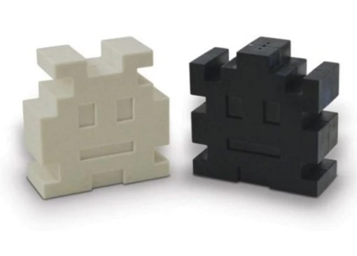 Space Invaders salt and pepper holders