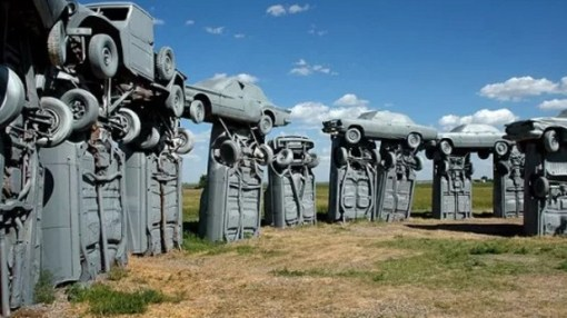 Cars placed as a replica of Stonehenge