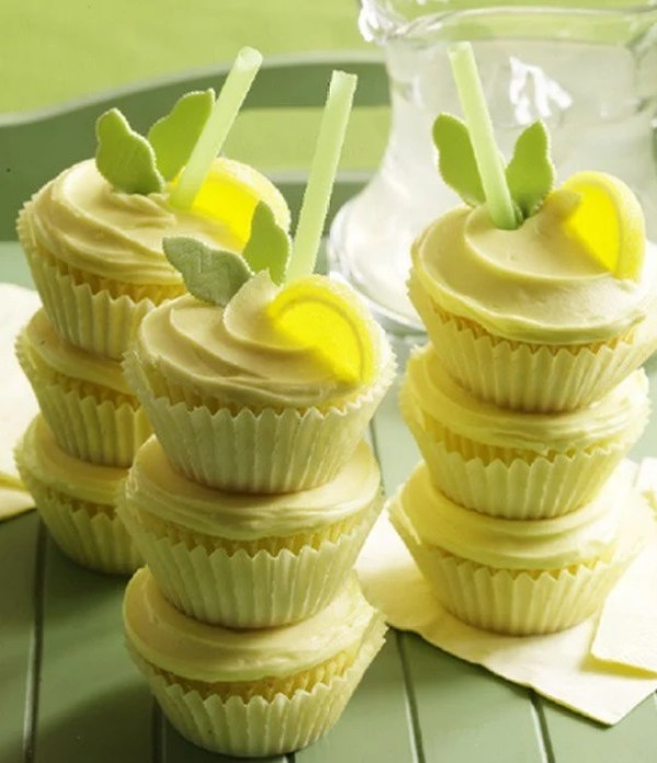 Lemonade Soft Drink Cupcakes