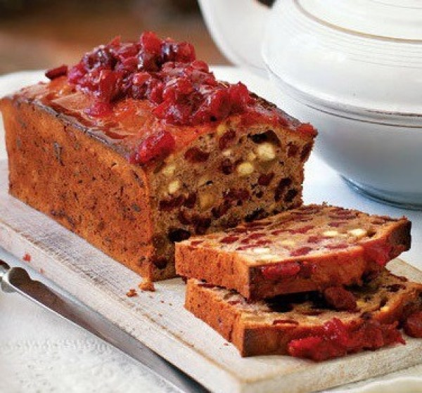 Mulled wine and cranberry tea bread