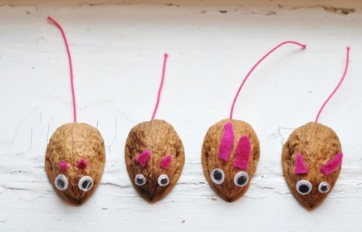Mice made with walnut shells
