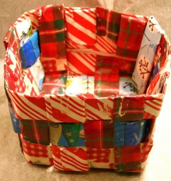 Paper bin Made with used wrapping paper