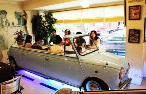 Top 10 Amazing Restaurants inside Vehicles
