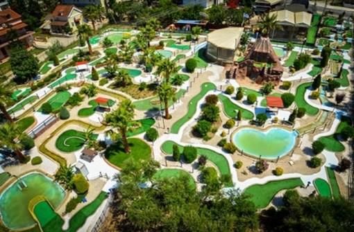 Top 10 Unusual Crazy Golf Courses