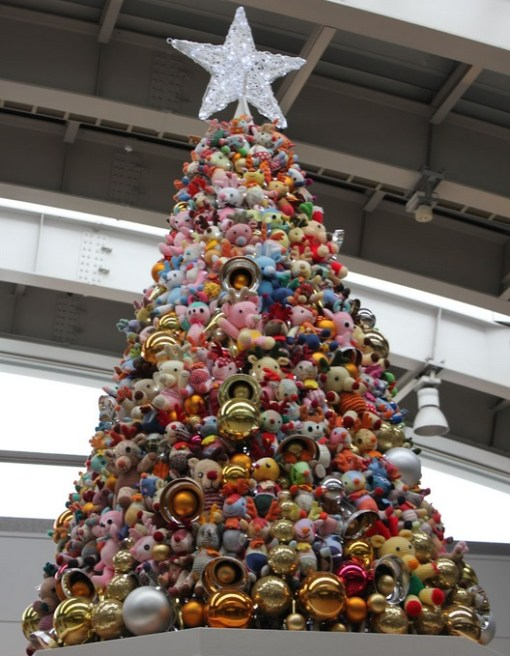 Top 10 Christmas Trees Made From Cuddly Toys