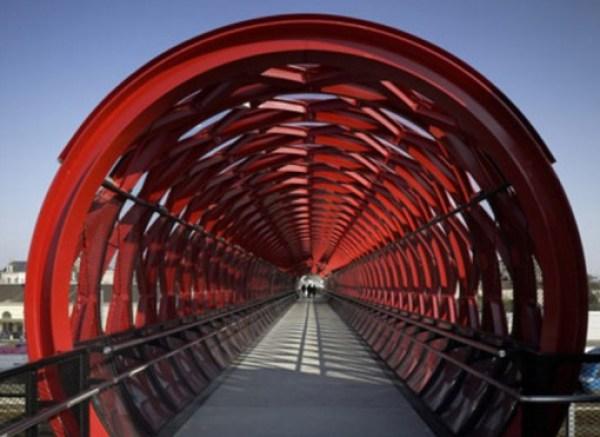 La Roche-sur-Yon Train Station Bridge