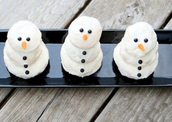 Cream Cheese & Cinnamon Snowmen
