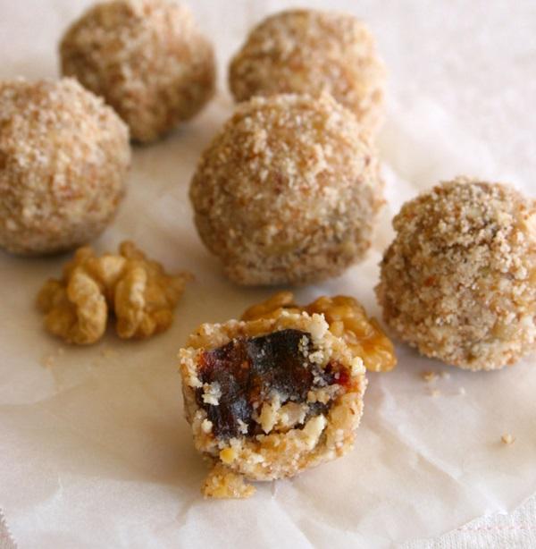 Walnut & Sticky Date Truffles