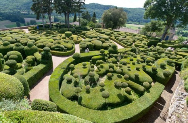 Top 10 Weird And Unusual Tourist Attractions In France