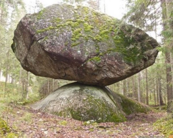 Kummakivi Balancing Rock, Ruokolahti