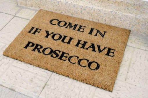 Top 10 Fun Gift Ideas For Prosecco Princesses