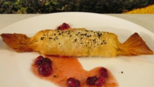 Filo Pastry Wrapped Christmas Crackers
