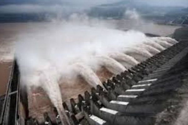 Syncrude Tailings Dam - Length: 18,186 m