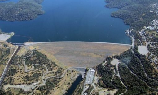 Oroville Dam - Length: 2,110 m