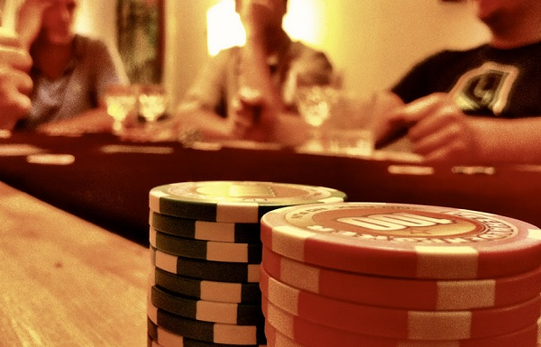 Ten things you need for a casino night at home for Things you need for a home