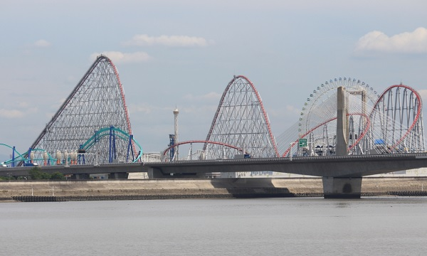 Steel Dragon 2000 in Nagashima Spa Land, Japan