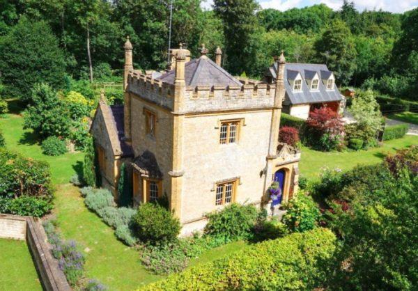 Molly's Castle, UK