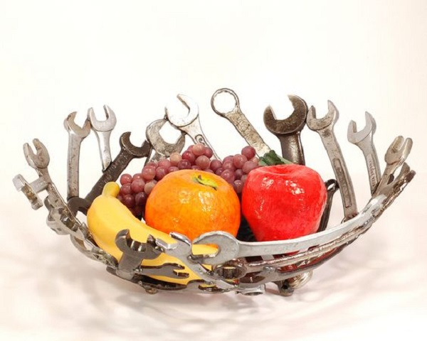Spanners Turned Into a Fruit Bowl