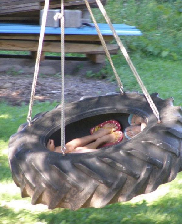 Garden Swing Made From an Old Tractor Tyre