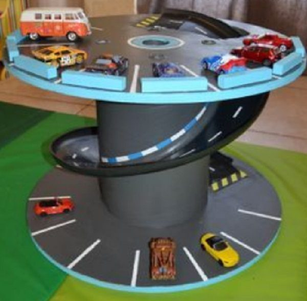 Toy Garage with Car Ramp