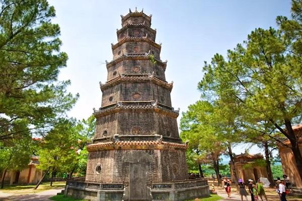 Chùa Thiên Mụ - Thien Mu Pagoda