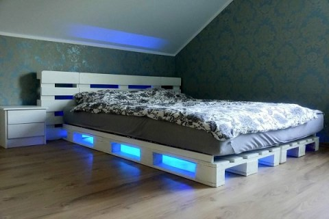 Ten Amazing Beds Made From Recycled Things