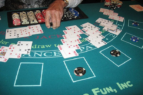 Things You Should Never Do At A Blackjack Table