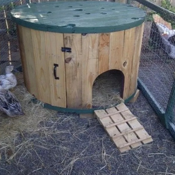 A Chicken Coop Made From a Wooden Cable Spool