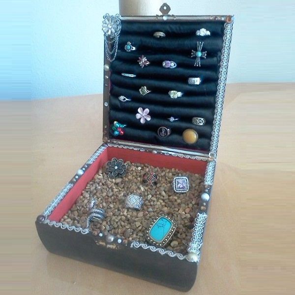 A Jewellery Box Made From a Cigar Box