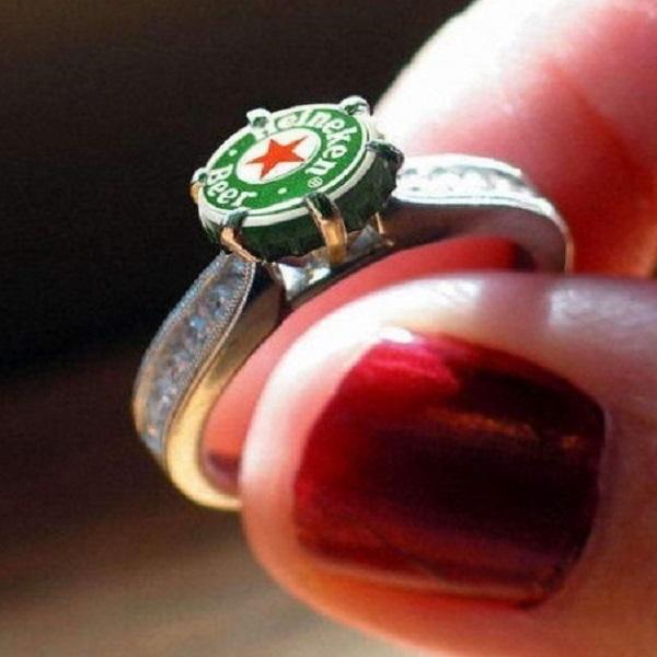 Lee Harvey Oswald's wedding ring