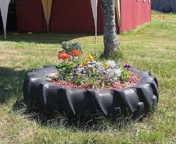 Large Garden Planter Made From a Tractor Tyre