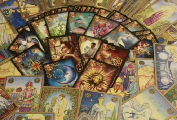 10 Things you Need to Know About Professional Psychics