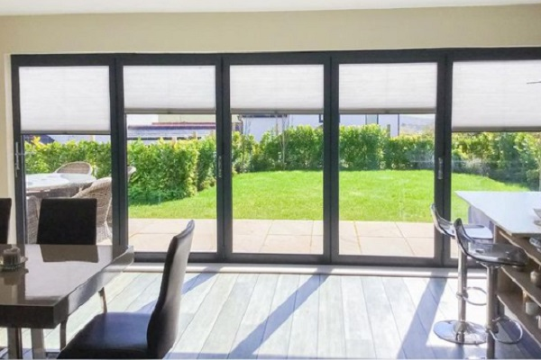 10 Things That You MUST Consider While Buying Door Blinds